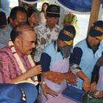 Hayono suyono sebagai ketua Posdaya Indonesia sedang kunjungan ke pabrik tahu tuna DEWA RUCI